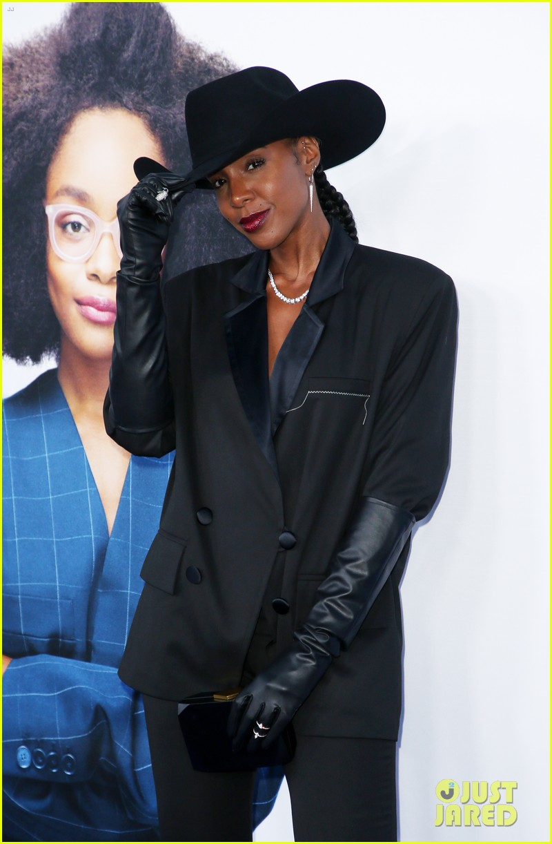 kelly rowland janelle monae support little cast at l a premiere 17