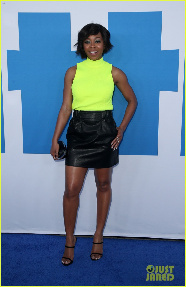 kelly rowland janelle monae support little cast at l a premiere 22