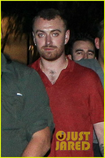 sam smith vacations with friends in sao paolo 04