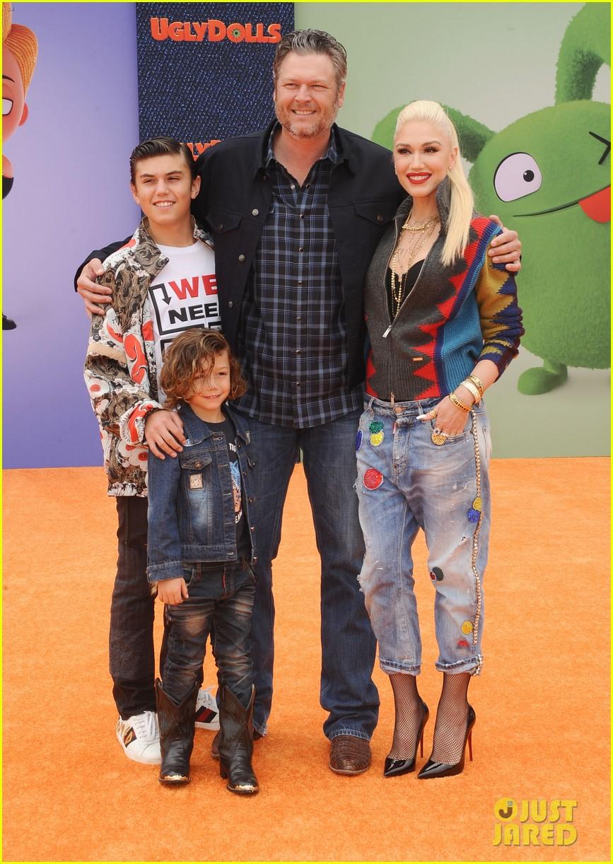 blake shelton gwen stefani her kids ugly dolls premiere 014278527