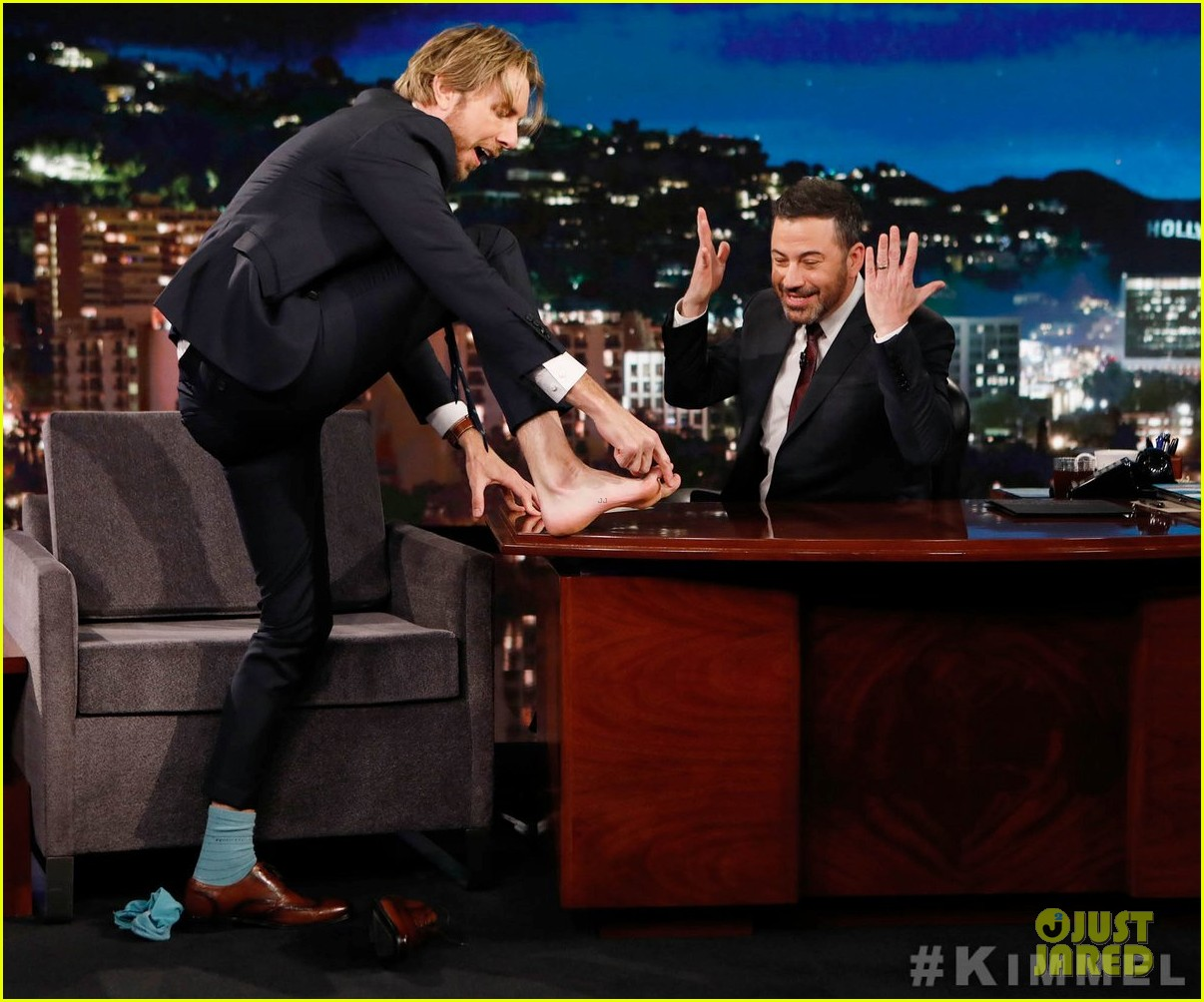 dax shepard reveals on kimmel that he once made love to jell o 02
