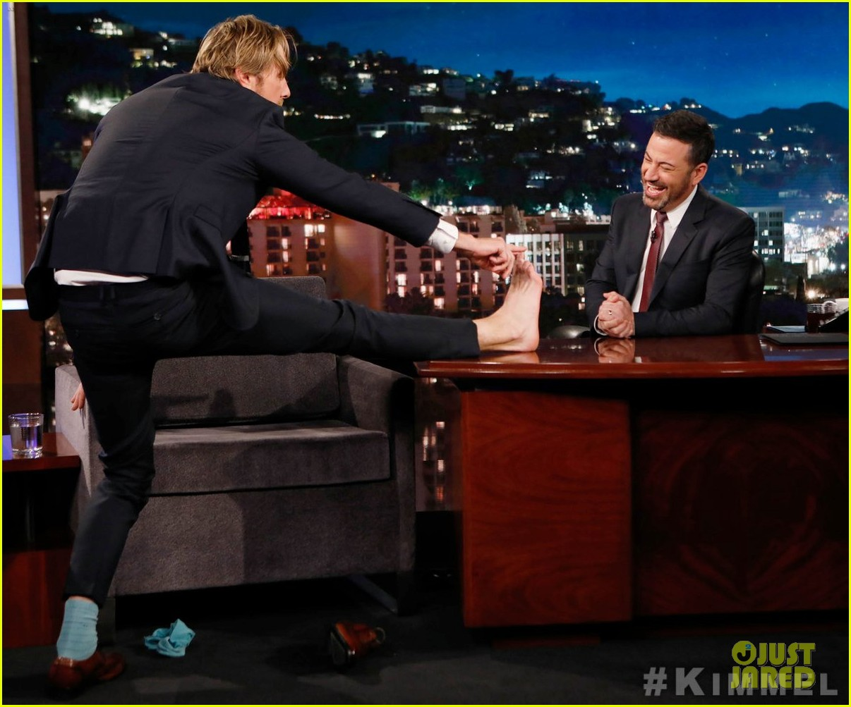 dax shepard reveals on kimmel that he once made love to jell o 03
