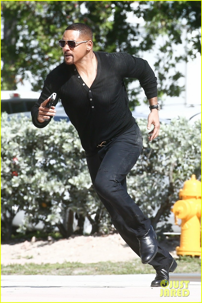 will smith shoots a bad boys action scene martin lawrence 01