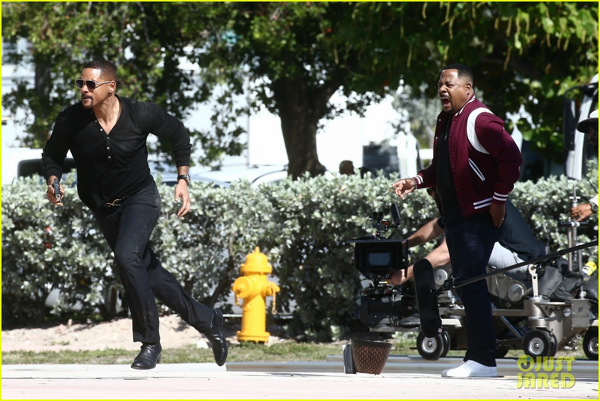 will smith shoots a bad boys action scene martin lawrence 16