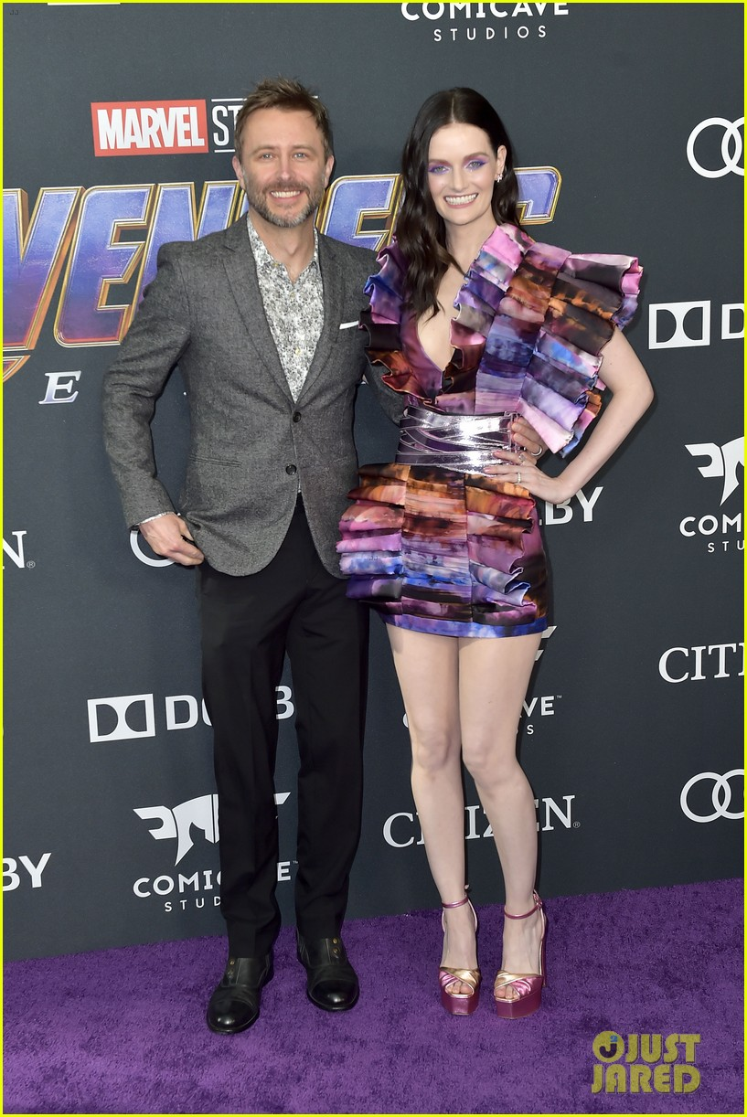 cobie smulders linda cardellini more step out for avengers endgame premiere 03