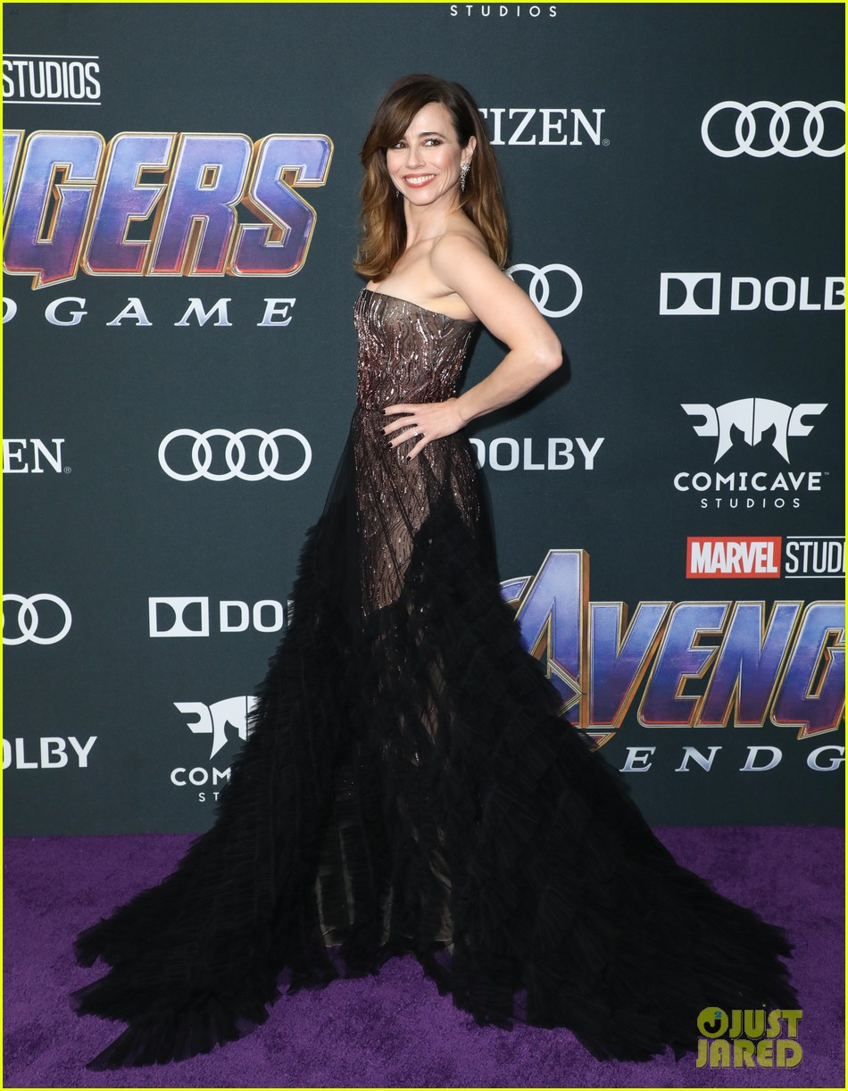 cobie smulders linda cardellini more step out for avengers endgame premiere 12