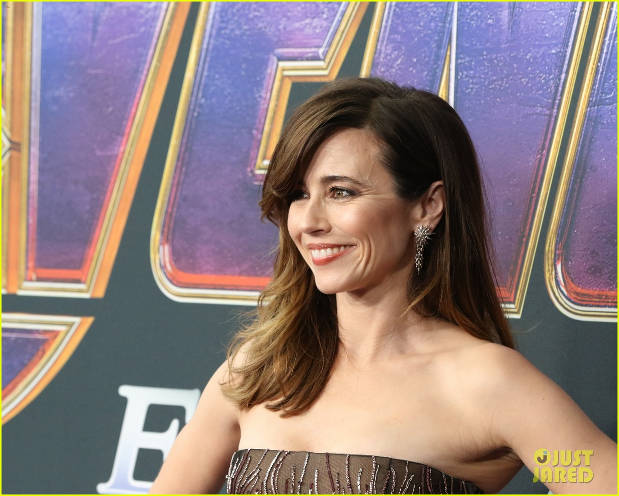 cobie smulders linda cardellini more step out for avengers endgame premiere 16