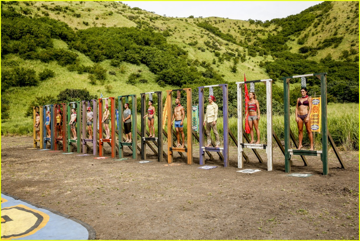 survivor contestant faints challenge 014267151