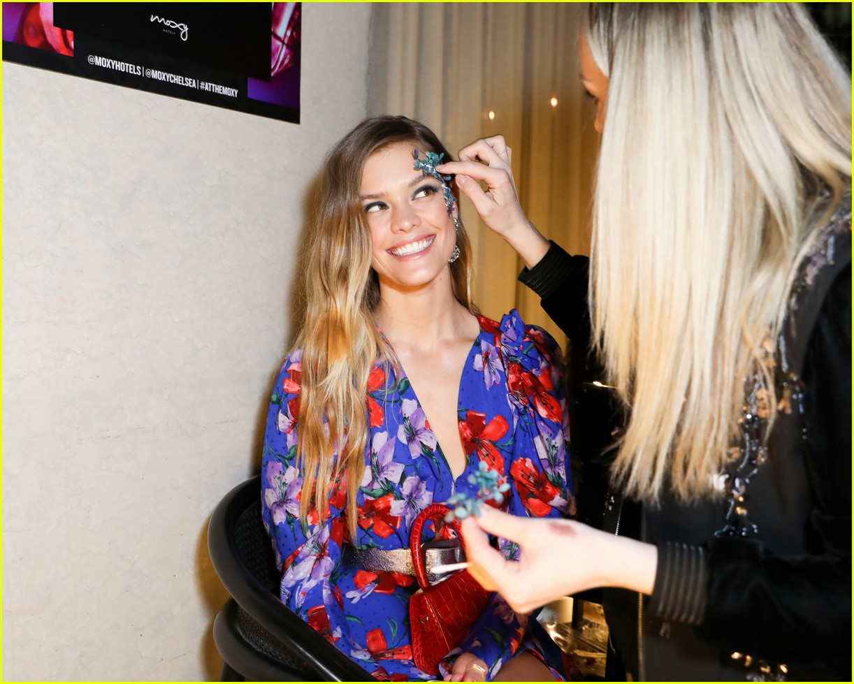 bella thorne and nina agdal team up for moxy chelseas grand opening 09