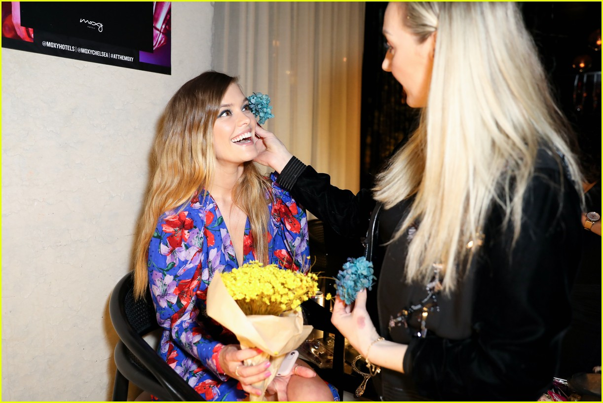 bella thorne and nina agdal team up for moxy chelseas grand opening 16