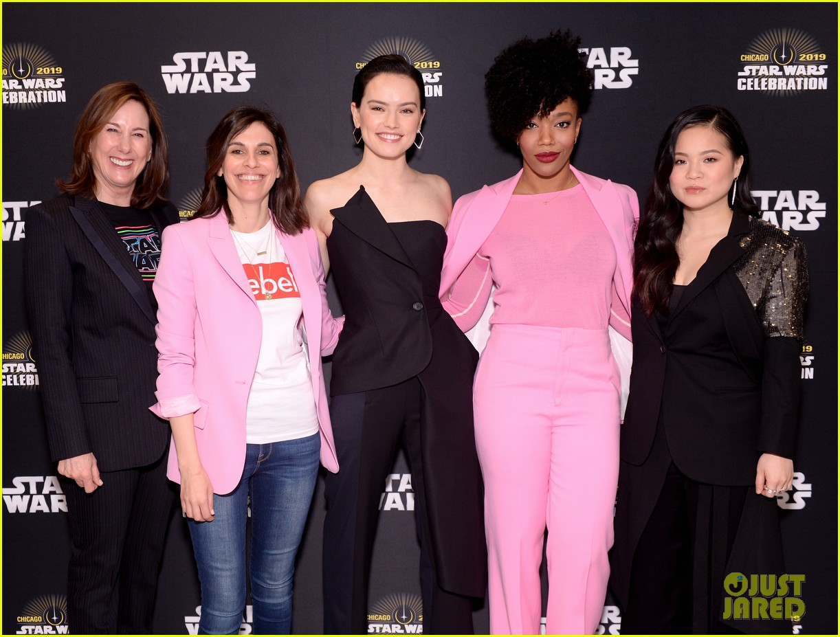 Star Wars Cast Debuts Rise Of Skywalker Trailer In Chicago Photo 4272297 Anthony Daniels Billy Dee Williams Daisy Ridley J J Abrams John Boyega Joonas Suotamo Kathleen Kennedy Kelly Marie Tran Naomi