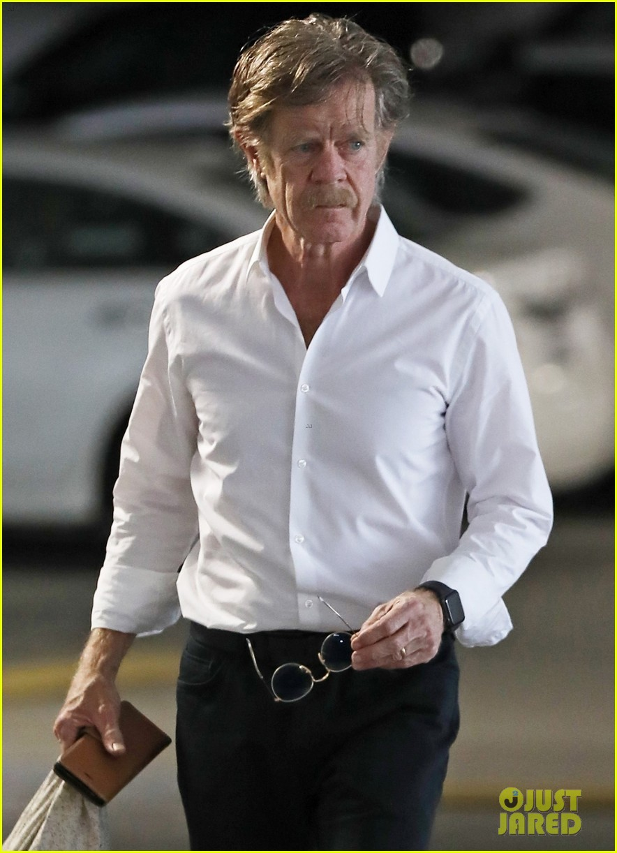 william h macy steps out after felicity huffman pleads guilty 01