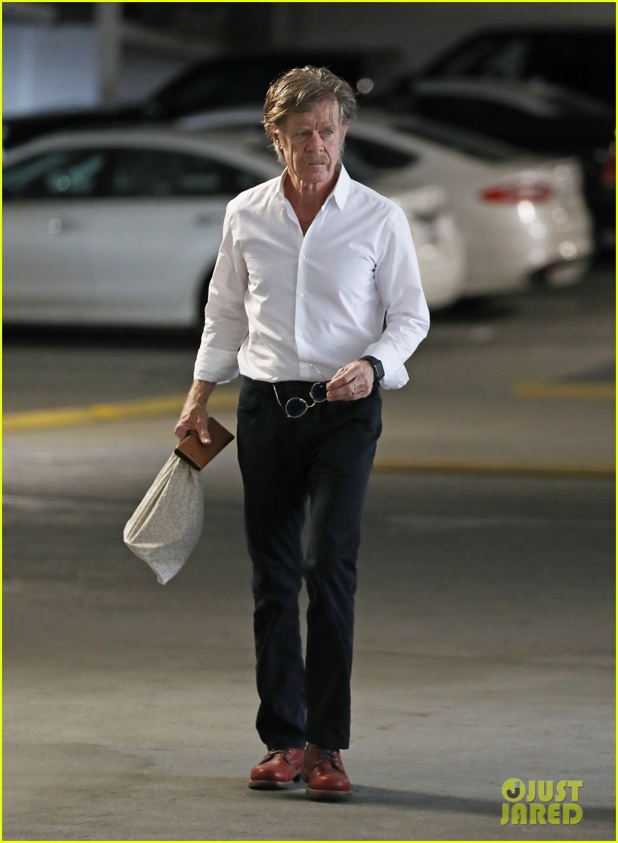 william h macy steps out after felicity huffman pleads guilty 04