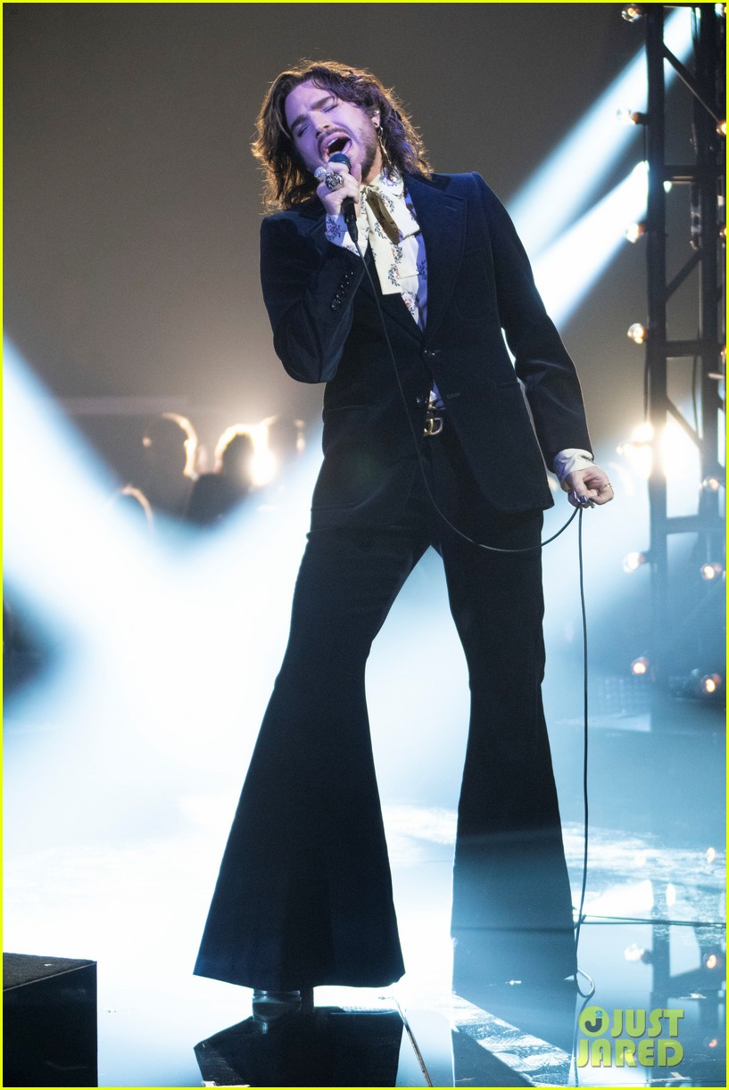 adam lambert performs new song new eyes on american idol finale 034294119