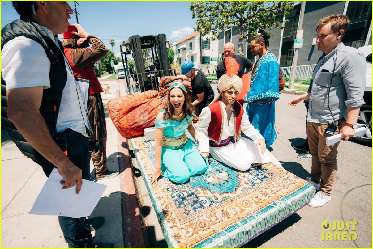 aladdin cast crosswalk musical video 04
