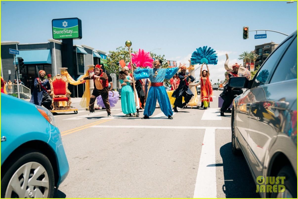 aladdin cast crosswalk musical video 06