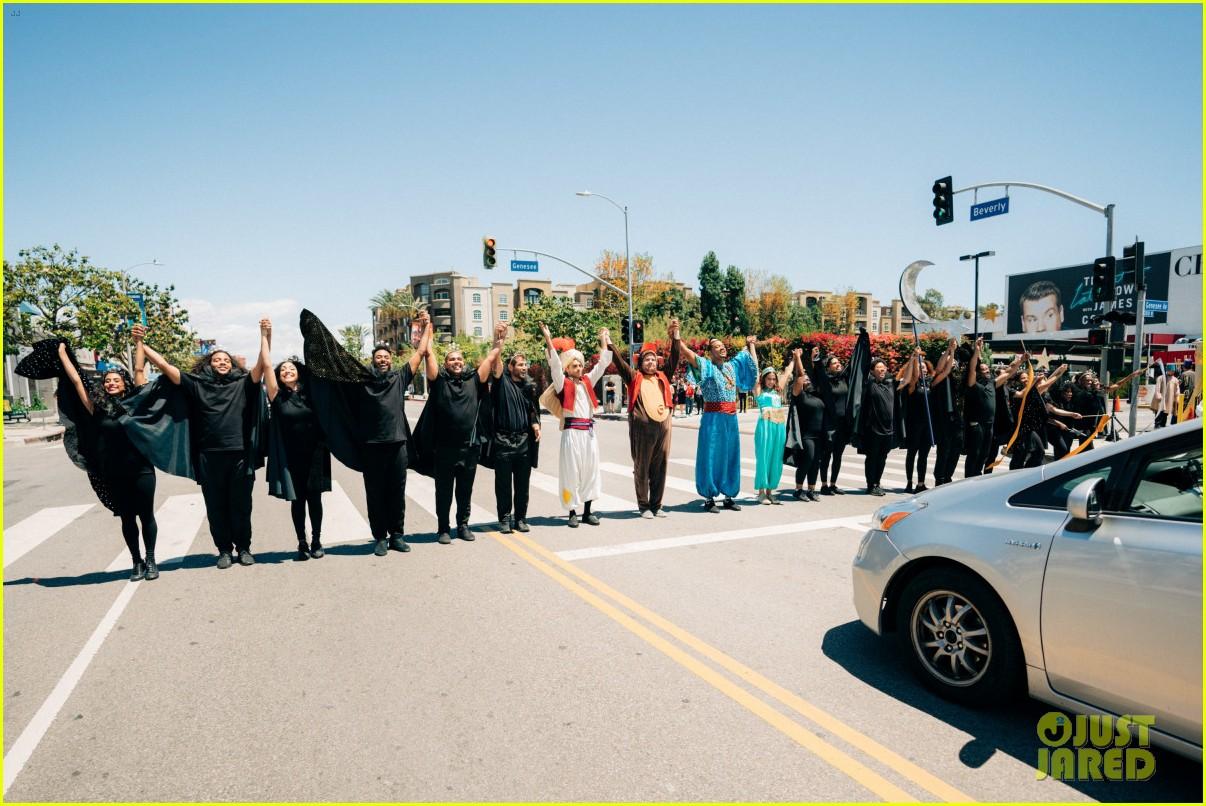 aladdin cast crosswalk musical video 11