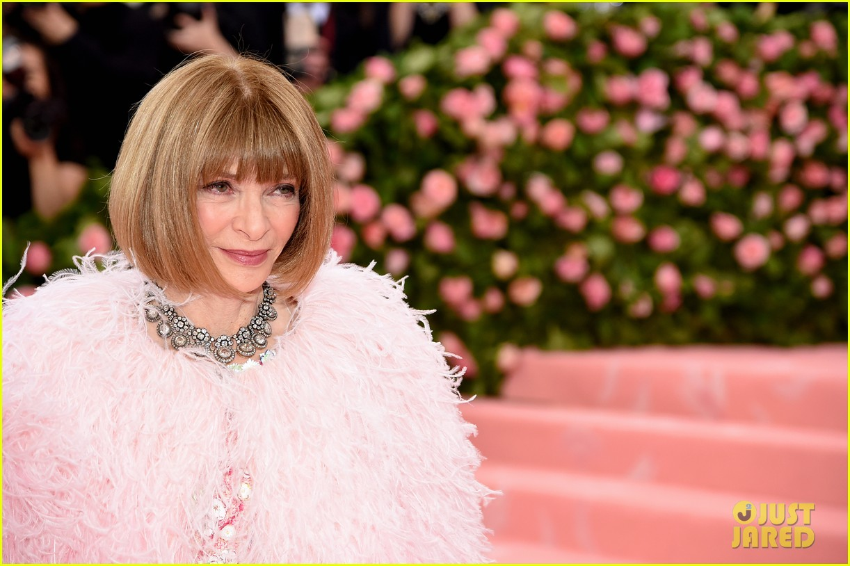 anna wintour is rihannas best dressed met gala 024286356