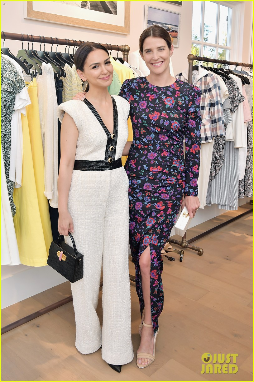 awkwafina and cobie smulders step out in style for veronica beard store opening 12