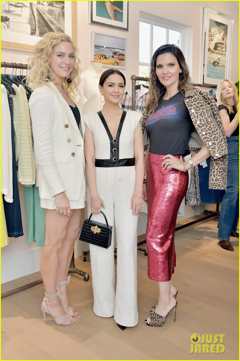 awkwafina and cobie smulders step out in style for veronica beard store opening 21