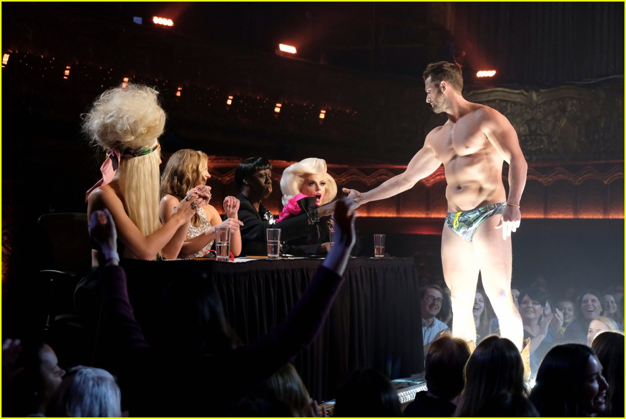 the bachelorette guys strip down first group date 024295372