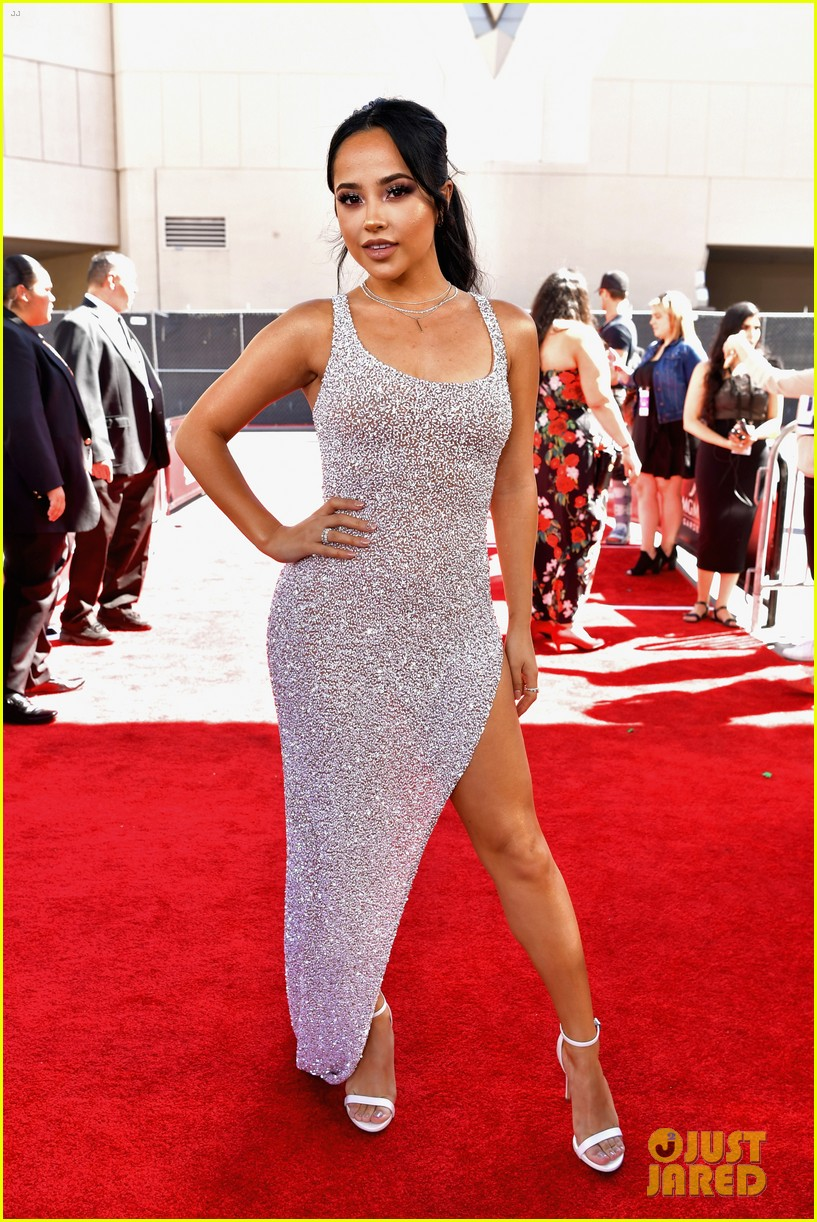 becky g poppy bbmas red carpet 01