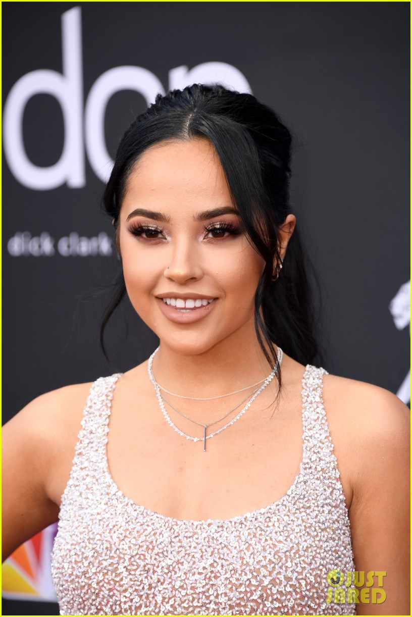 becky g poppy bbmas red carpet 04