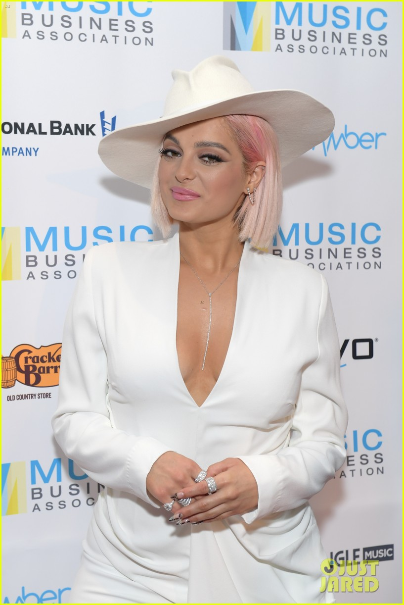 bebe rexha says we need more women executives in the music business 024287884
