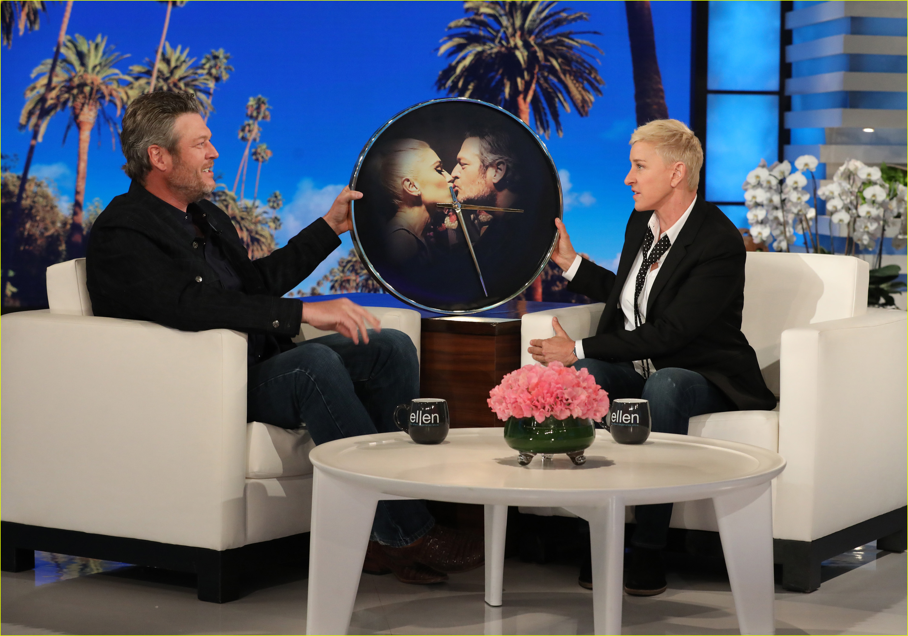 blake shelton gets pre engagement gift from ellen degeneres 024280070
