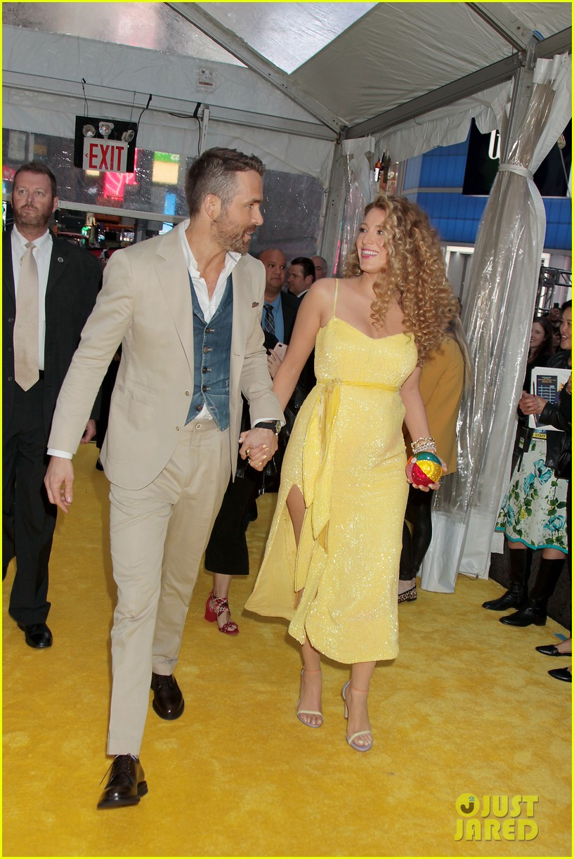 Blake Lively Is Pregna...
