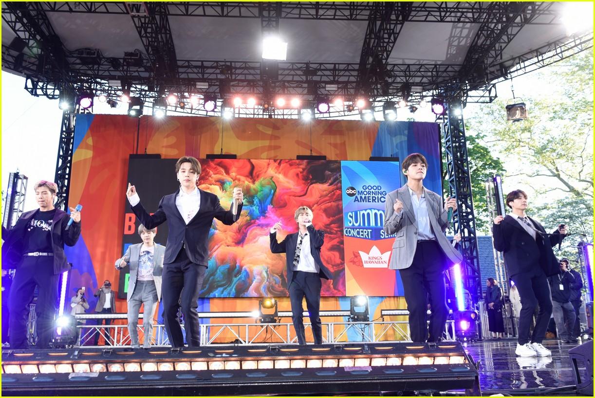 bts perform good morning america summer concert series 094291640
