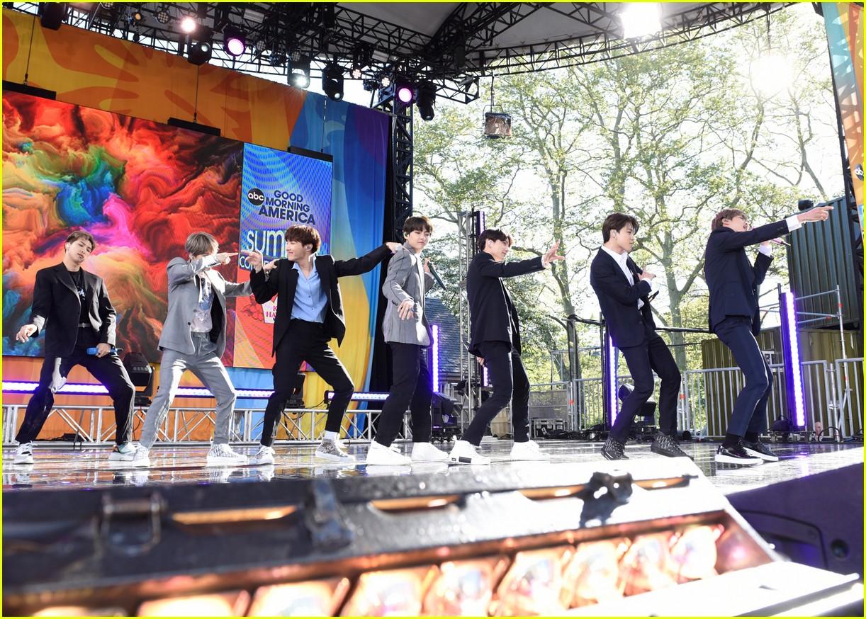 bts perform good morning america summer concert series 204291651