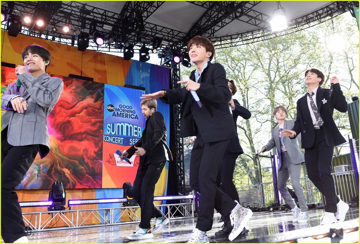 bts perform good morning america summer concert series 214291652