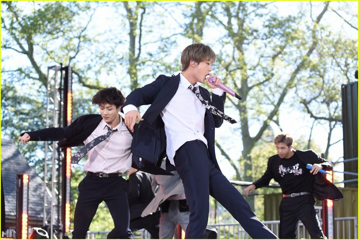 bts perform good morning america summer concert series 334291664