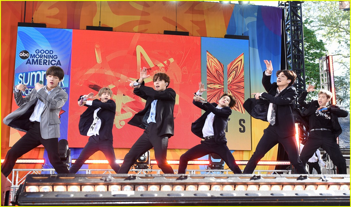 bts perform good morning america summer concert series 354291666
