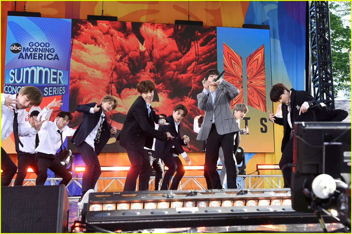 bts perform good morning america summer concert series 374291668