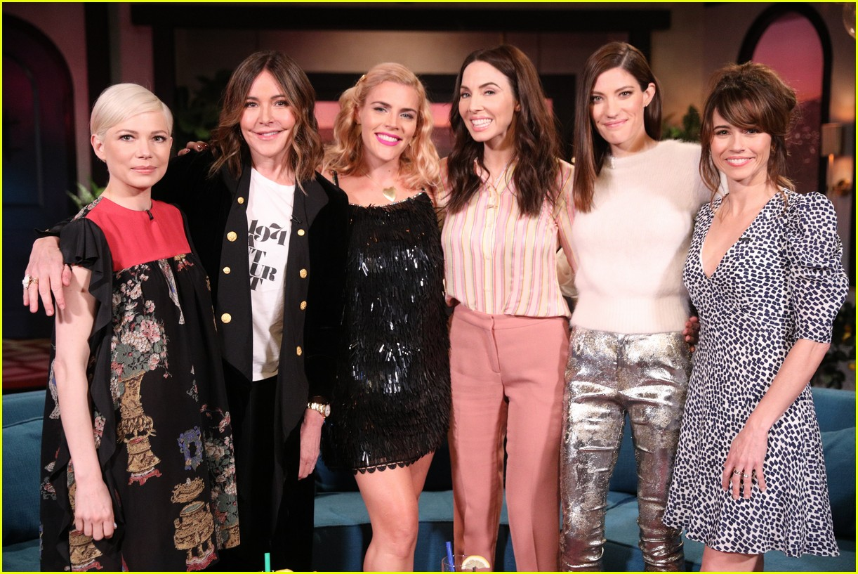 busy philipps michelle williams busy tonight finale 114292705
