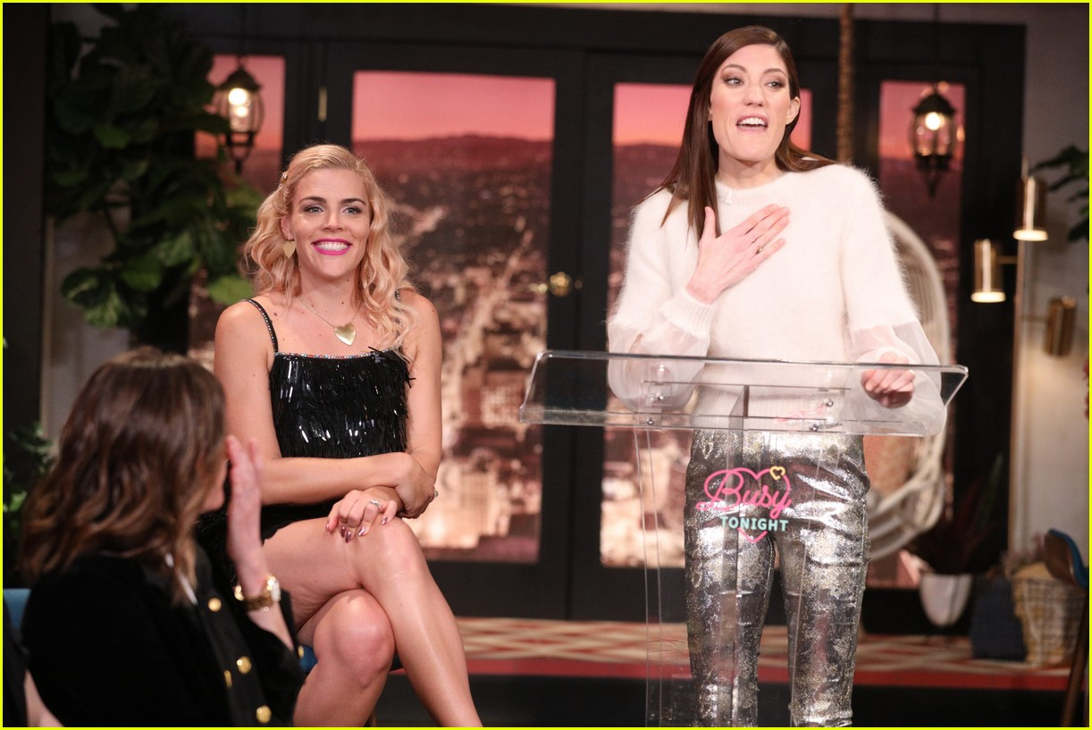 busy philipps michelle williams busy tonight finale 164292710