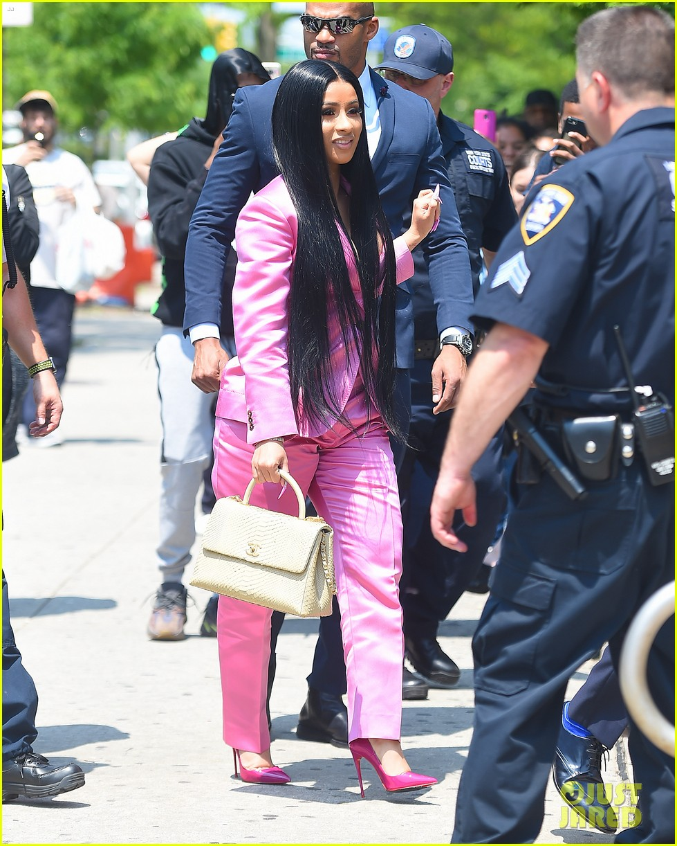 Cardi B Court: Cardi B Wears A Pink Pantsuit To Court For Strip Club