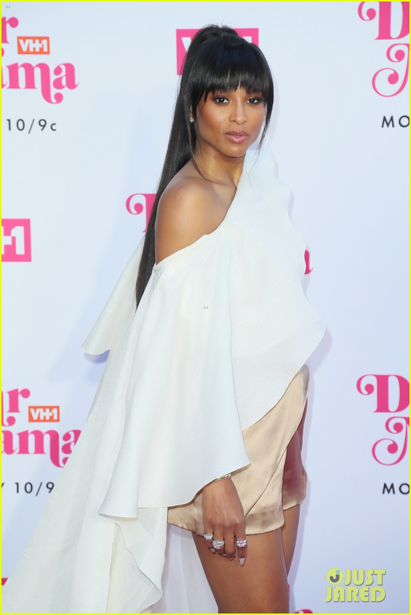 ciara la la anthony hit carpet at vh1s dear mama 2019 14