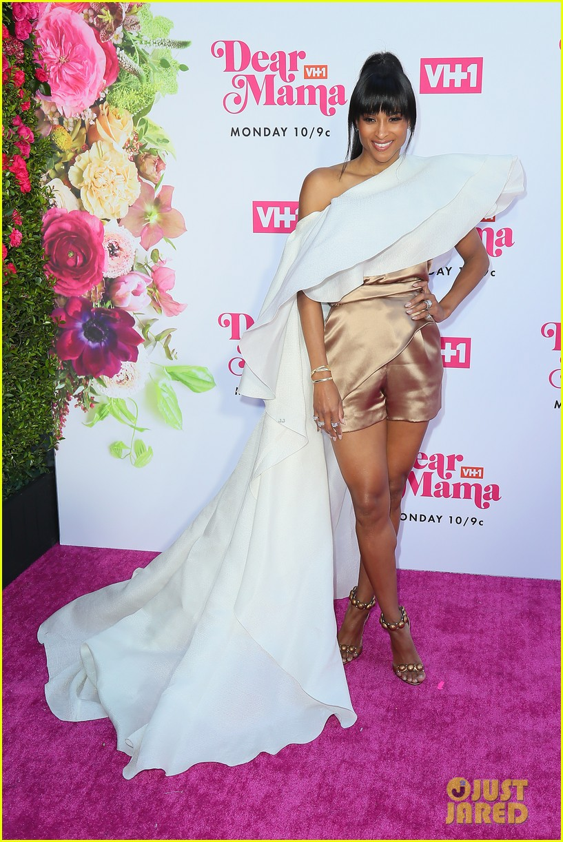 ciara la la anthony hit carpet at vh1s dear mama 2019 15