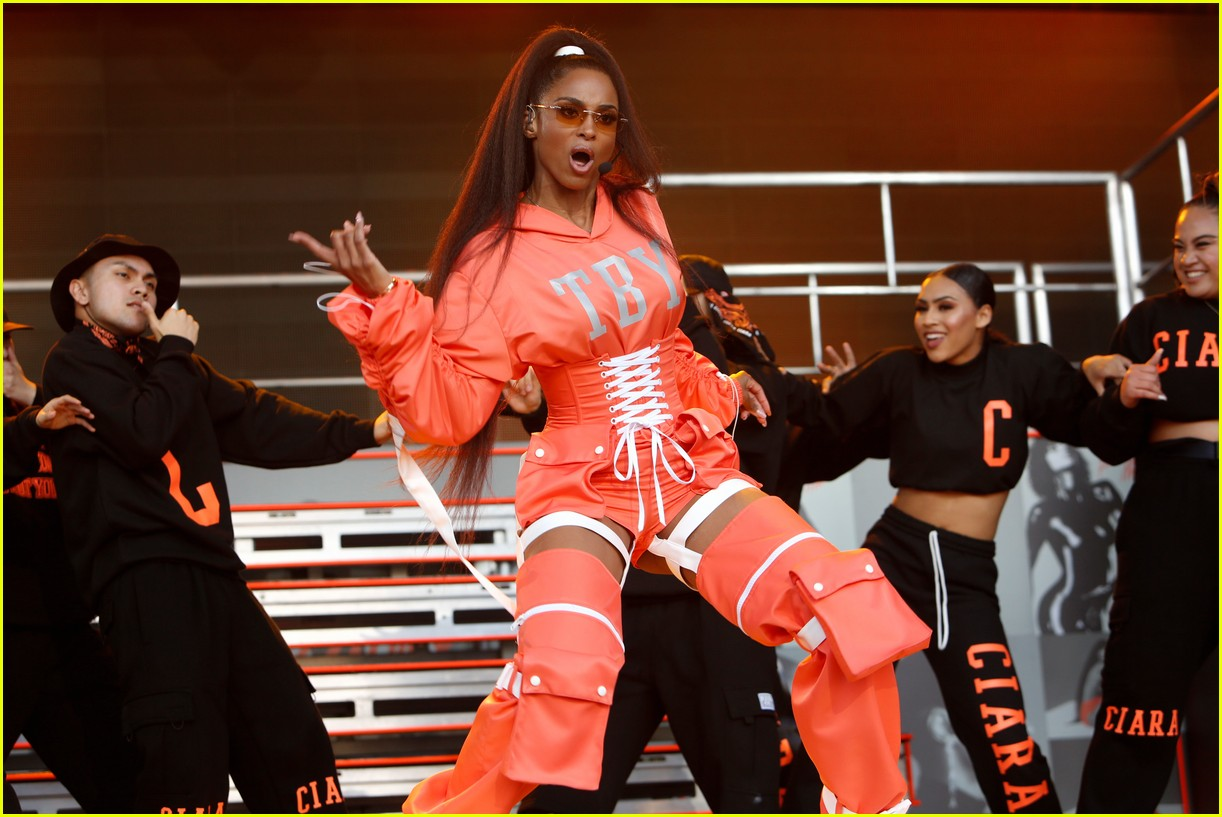 ciara asks jimmy kimmel to twerk performs thinkin bout you 05