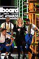 kelly clarkson billboard music awards opening 01
