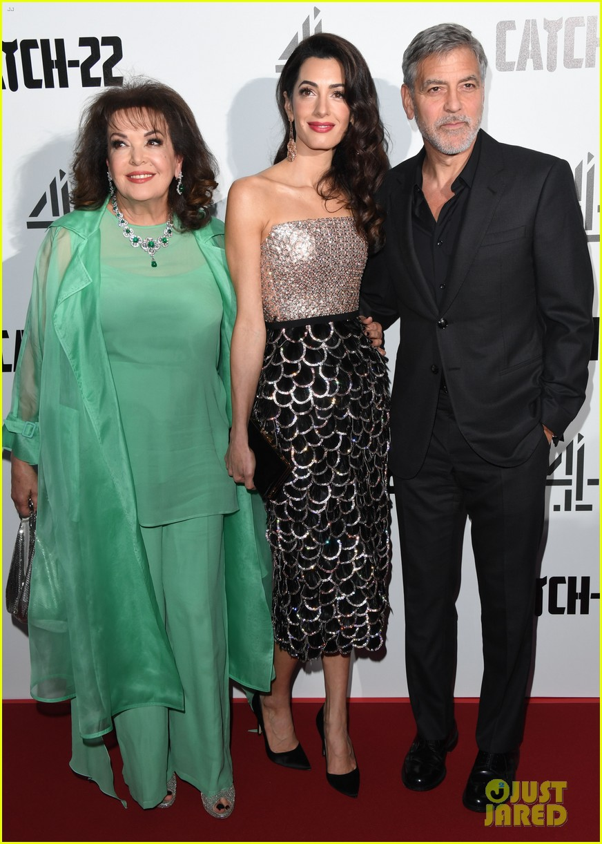 george clooney amal bring mom to catch 22 london 02