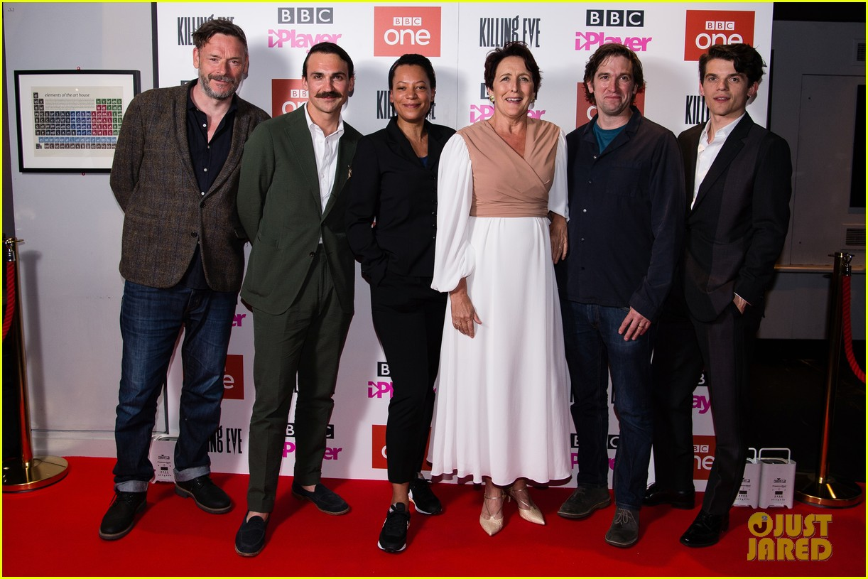 jodie comer joins killing eve cast at season 2 premiere in london 024291499