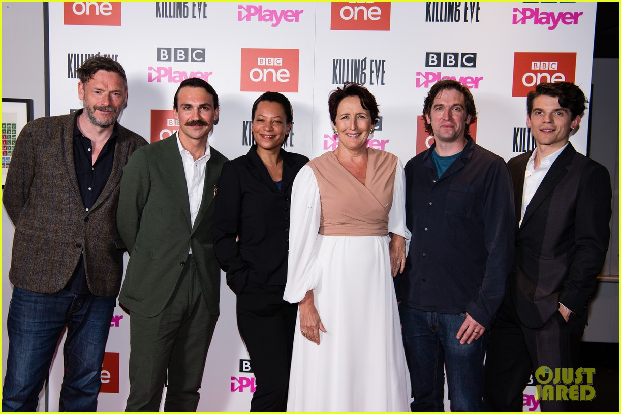 jodie comer joins killing eve cast at season 2 premiere in london 044291501