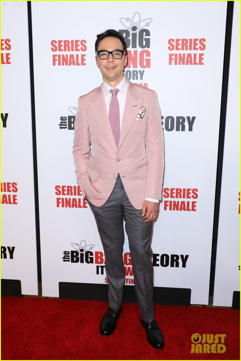 kaley cuoco jim parsons mayim bialik celebrate big bang theory at series finale party 22