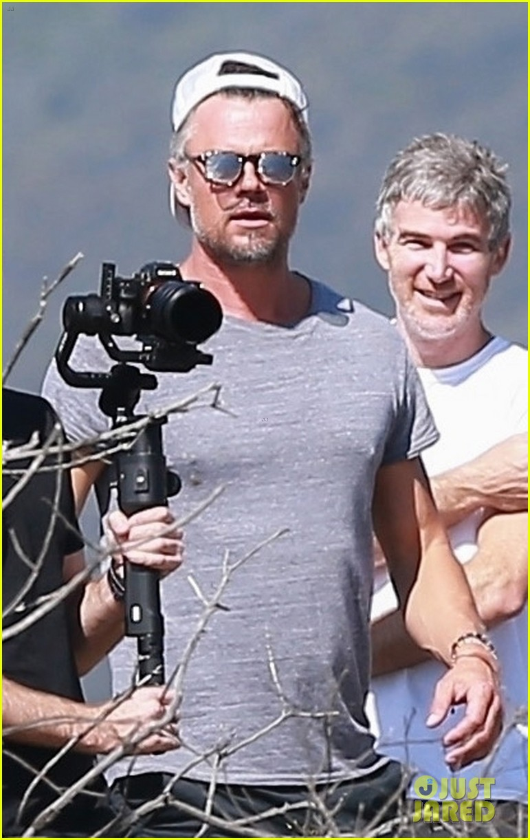 josh duhamel films project with friends during brentwood hike 034300158