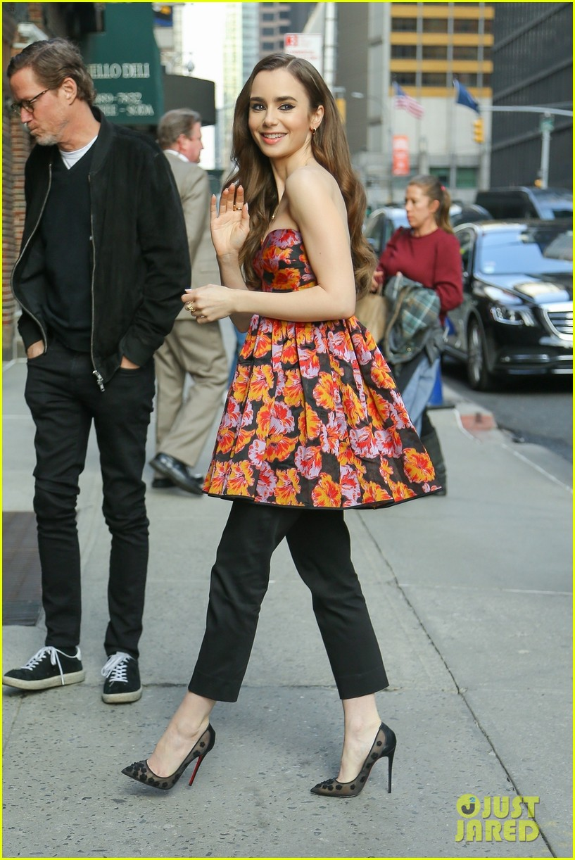 zac efron lily collins extremely wicked tribeca premiere 06