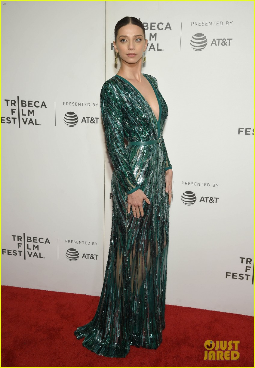 zac efron lily collins extremely wicked tribeca premiere 21